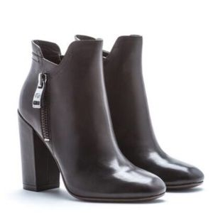 Andrew Marc boots, size 6